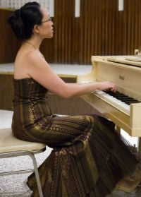 eugenia-piano-resize-200